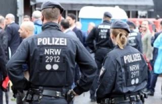 Almanya'da sığınmacı kadınlara ırkçı...