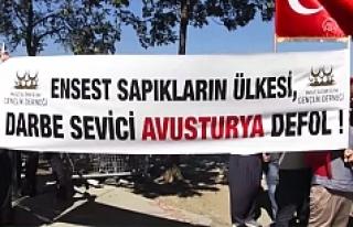 Avusturya'nın İstanbul Başkonsolosluğu Önünde...