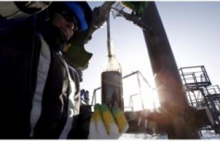 Gazprom'un ilk çeyrek karı azaldı