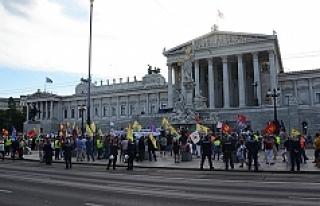Tarık Mete: 'Avusturya'yı terketme çağrıları...
