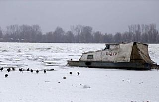 Donan Tuna nehri, buzlardan temizleniyor