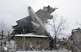 Kırgızistan'da kargo uçağı düştü: 32...