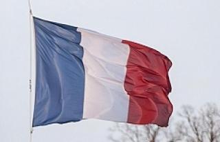 Fransızlar için şok iddia! 5'te 1'i ülkeyi...