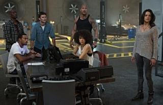 'Hızlı ve Öfkeli 8' filmi 1 milyon izleyiciye...