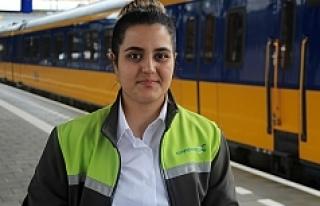 19 yaşındaki Ayşe, Hollanda'nın en genç...