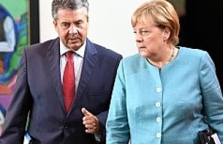Merkel: 'Türkiye'yle Gümrük Birliği...