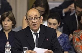 Fransa: 'Halkını katletmiş Beşşar Esed ile...