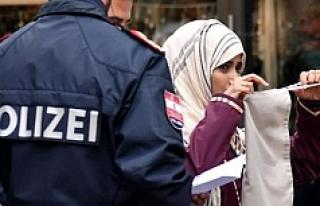Avusturya'da burka yasağının ilk kurbanı...