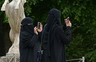 """Avusturya'da """"Burka Yasağı"""" resmen başladı"""