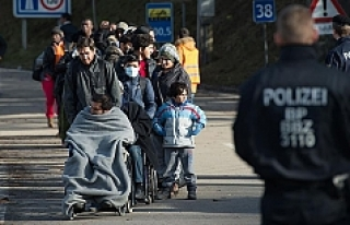 Almanya'da sığınmacılara ülkelerine dönmeleri...