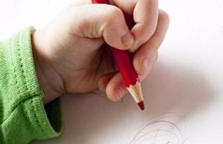 Çocuğunuz sol elini kullanıyorsa dikkat!