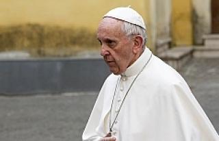 Papa, dünyanın kayıtsızlığı için Arakanlı...