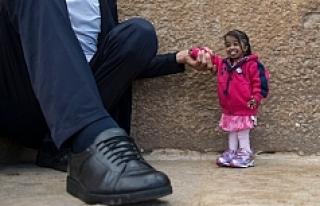 Dünyanın en uzun adamı ve en kısa kadını Giza...