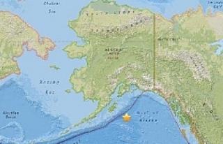 O ülkede 8.2 büyüklüğünde deprem: Tsunami alarmı...