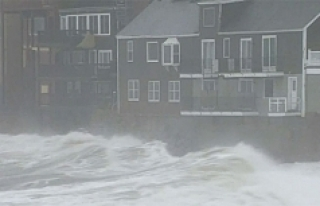 ABD'de fırtına milyonlarca kişiyi elektriksiz...