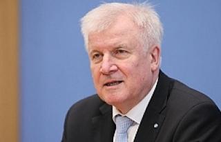 Alman İçişleri Bakanı: ''İslam Almanya'ya...