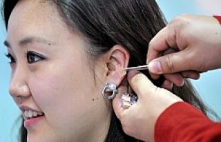 Kulaklarda doğuştan bulunan küçük delikler aslında...