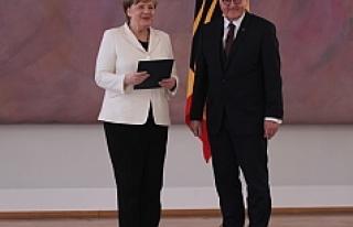 Merkel 4. kez Almanya Başbakanı