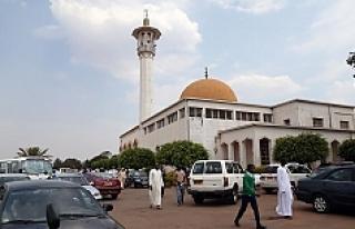 Ruanda'da başkentte hoparlörden ezan okunması...