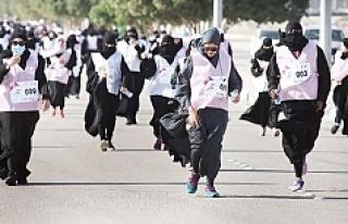 Suudi kadına 'şartlı' koşma izni