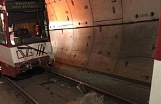 Almanya'da iki metro çarpıştı: 35 yaralı