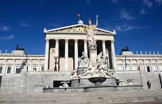 Avusturya'da FPÖ'lü iki bakanlık karşı...