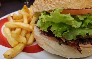 Fast-food yemek 'kadın doğurganlığını olumsuz...