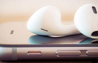 Apple'ın kablosuz kulaklığı AirPods'a...