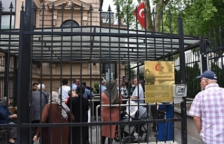 Avusturya'daki Türk vatandaşları oylarını...
