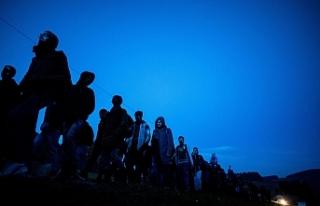 """""""İtalya, ikincil göçmen akışını kabul..."""