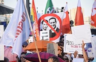 Viyana'da hükümet karşıtı protesto