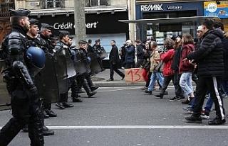 Fransa'da polis şiddetine karşı protestolar...