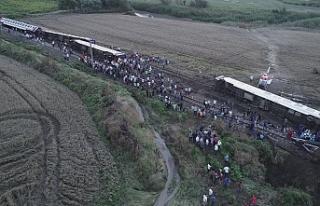 Tekirdağ'da tren raydan çıktı: 10 ölü,...