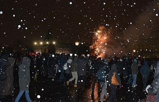 Viyana'da binler kar kış dinlemedi, hükümete...