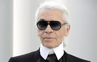 Moda tasarımcısı Karl Lagerfeld hayatını kaybetti