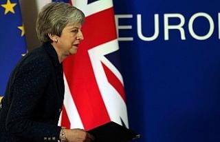 AB ile İngiltere Başbakanı May yeni Brexit tarihlerinde...