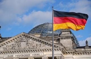 Almanya'da aşırı sağcıların iç savaş...