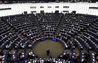 Avrupa Birliği kurumlarının Brüksel'deki...