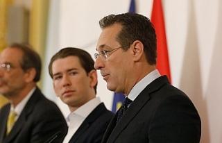 """Milliyetçi Strache: """"Bize destek çıkın, kamu..."""