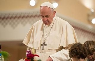 Papa 'cinsel taciz' kuralı getirdi!