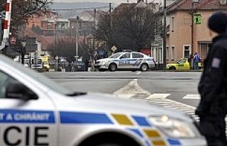 60 Yaşındaki adam restaurantı kana buladı: 9 Ölü