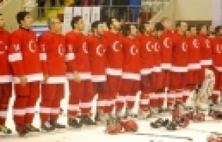 ''Bosna Hersek-Türkiye buz hokeyi maçına doğru''