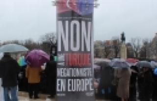 ''Ermenilerden, Hollande'ın Türkiye ziyareti öncesi...