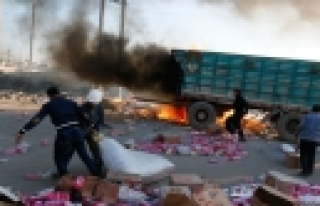 ''Esad güçleri bombalamaya devam ediyor: 60 ölü''