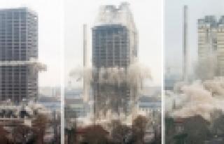 ''Frankfurt Üniversitesi Kulesi Saniyeler İçinde...