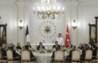 ''Gül, Fransa Cumhurbaşkanı Hollande onuruna yemek...