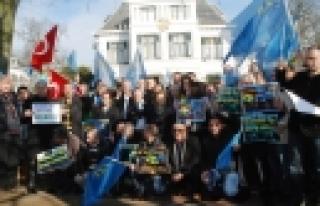 ''Hollanda'da Kırım'a destek mitingi''