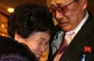 ''Kuzey ve Güney Koreliler arasında duygusal buluşma''
