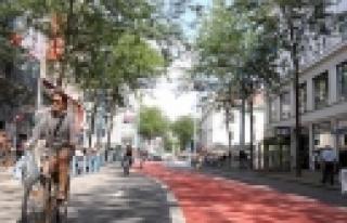Mariahilfer Straße: Infoschreiben am Weg