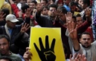 ''Mısır'da kanlı referandum: 11 ölü''